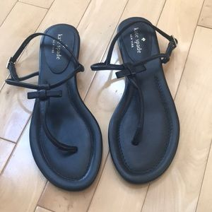 NWT Kate Spade black Sandals - strappy with bow.